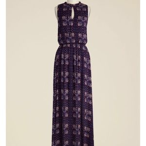 Up and welcoming maxi dress
